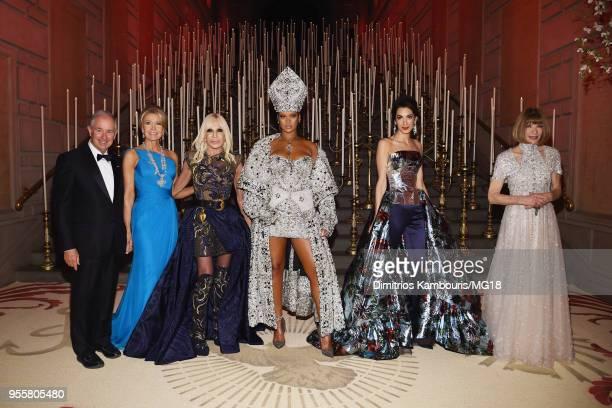 Stephen Schwarzman Christine Schwarzman Donatella Versace Rihanna Amal Clooney and Anna Wintour attend the Heavenly Bodies Fashion The Catholic...