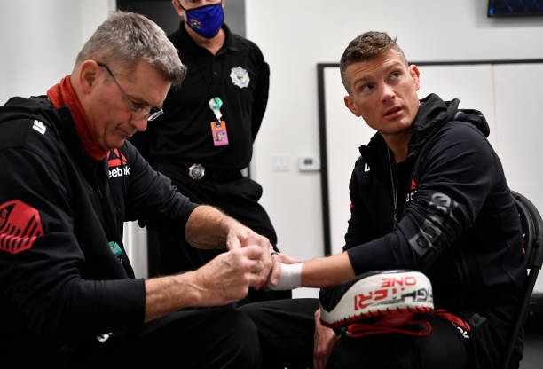 Stephen Thompson has his hands wrapped prior to his fight during the UFC Fight Night event at UFC APEX on December 19, 2020 in Las Vegas, Nevada.
