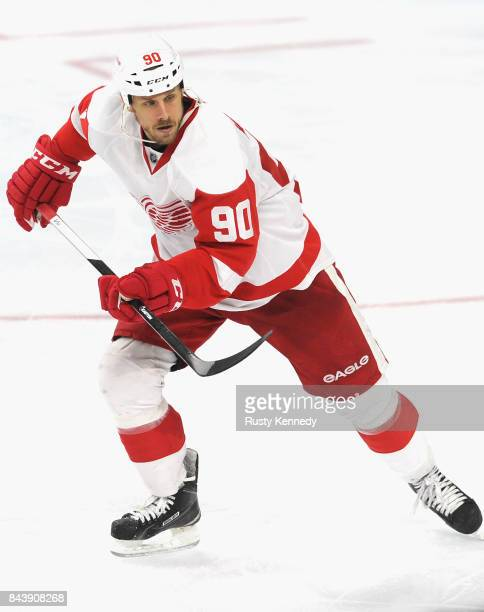 Stephen Weiss of the Detroit Red Wings plays in the game against the Philadelphia Flyers at the Wells Fargo Center on March 14 2015 in Philadelphia...