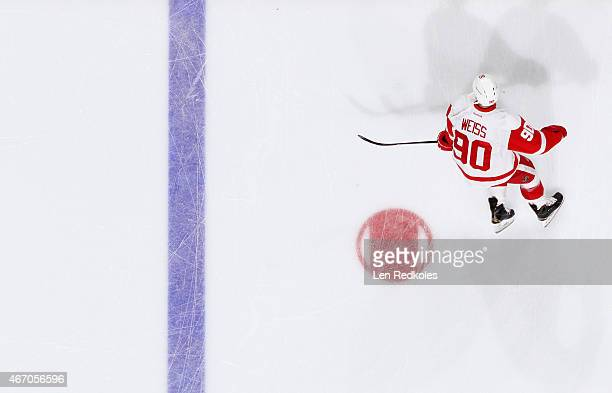 Stephen Weiss of the Detroit Red Wings skates during warmsups prior to his team's game against the Philadelphia Flyers on March 14 2015 at the Wells...