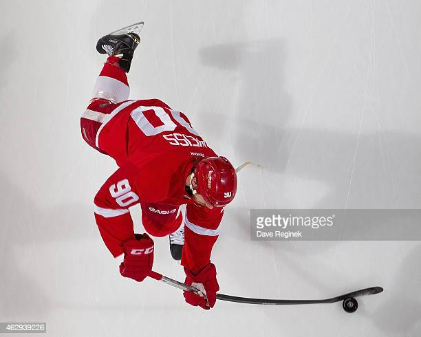 Stephen Weiss of the Detroit Red Wings skates in warmups prior to the NHL game against the New York Islanders on January 31 2015 at Joe Louis Arena...