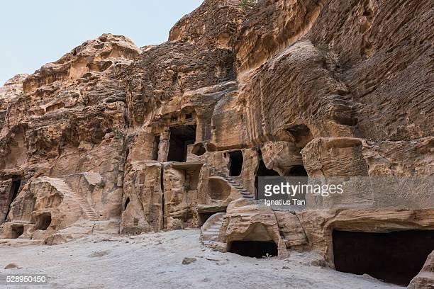 steps and doorways in little petra (al beidha, siq al-barid), jordan - ignatius tan stock photos and pictures