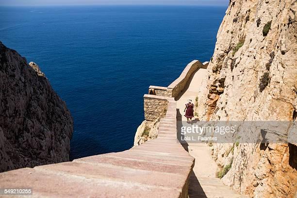 656 steps