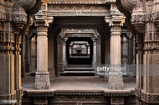 stepwell of adalaj - stepwell stock photos and pictures