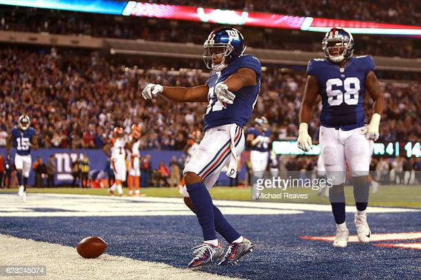 Sterling Shepard of the New York Giants celebrates after scoring a touchdown against the Cincinnati Bengals during the fourth quarter of the game at...