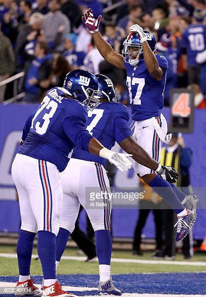 Sterling Shepard of the New York Giants celebrates with his teammates after scoring a touchdown against the Cincinnati Bengals during the fourth...