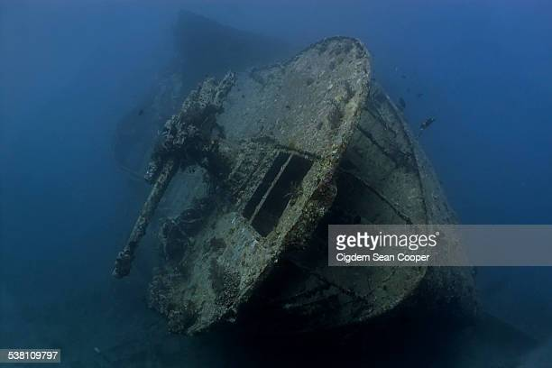 stern of the ss thistlegorm - sunken stock pictures, royalty-free photos & images