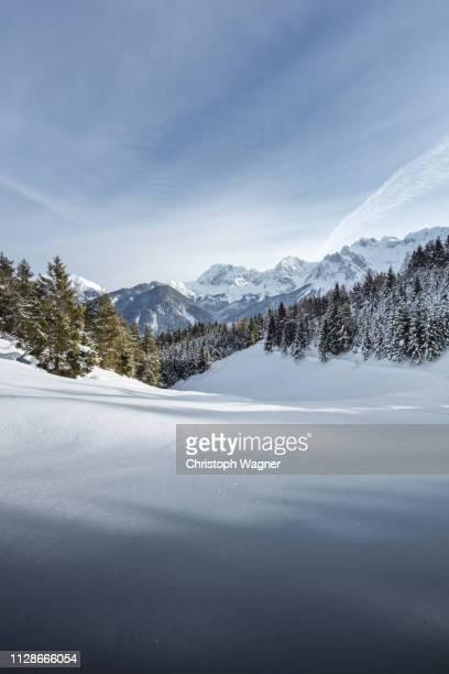 österreich tirol - wilder kaiser winter - tourismus stock pictures, royalty-free photos & images