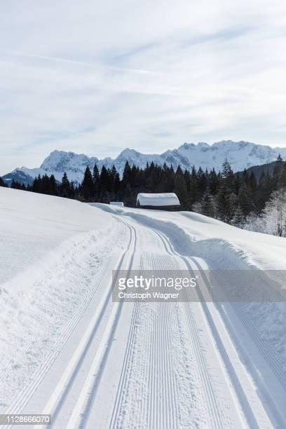 österreich tirol - wilder kaiser winter - beschaulichkeit stock pictures, royalty-free photos & images