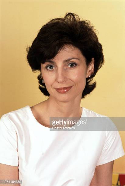 AGISCHEWA 7/01 / österreichische Schauspielerin