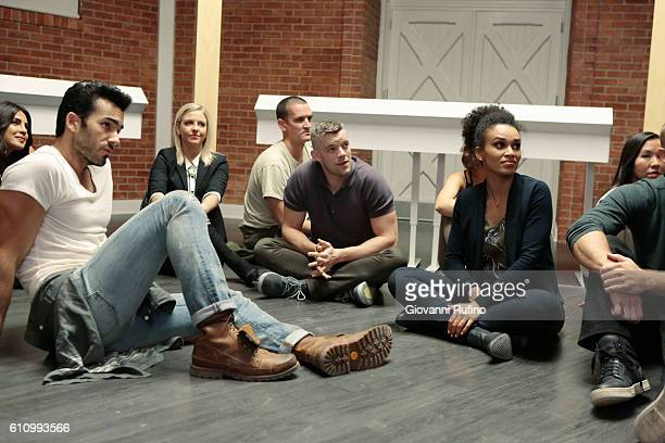 QUANTICO Stescalade The new CIA recruits continue training at The Farm focusing on assessment while in the future Alex goes undercover to infiltrate...