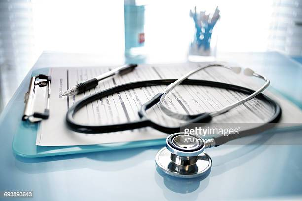 stethoscope best - doctor's office stock pictures, royalty-free photos & images