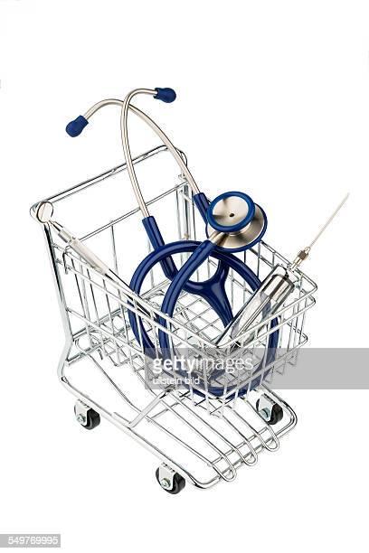 Stethoskop und Einkaufswagen Symbolfoto für Arztberuf und Praxisübernahme