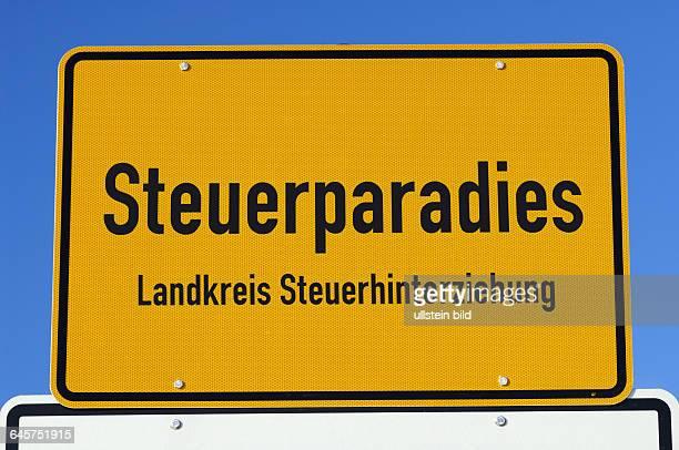 Steuerparadies Steuerparadiese Luxemburg Schweiz Liechtenstein Steuerhinterziehung Schwarzgeld Ortsschild Ortsschilder Landkreis Landkreise gelbes...