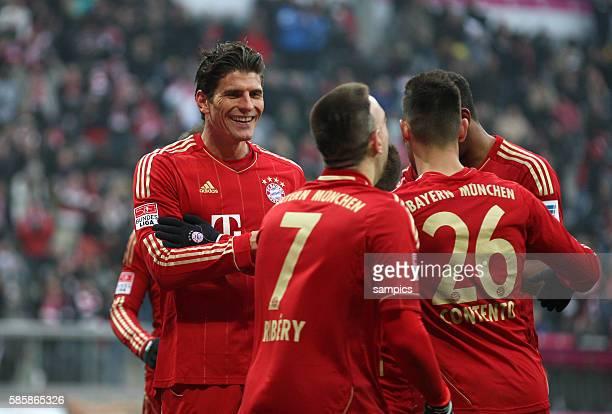 Steuerte zwei Tore bei Mario GOMEZ FC Bayern München Mario GOMEZ FC Bayern München 1 Bundesliga Fussball FC Bayern München Werder Bremen 61 Saison...