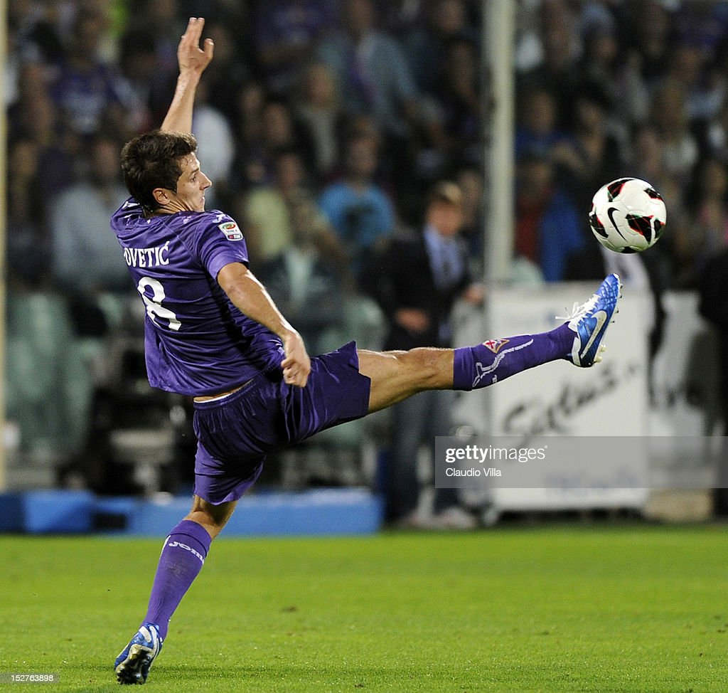 Stevan Jovetic of ACF Fiorentina in action during the Serie A match between ACF Fiorentina and FC Juventus at Stadio Artemio Franchi on September 25, 2012 in Florence, Italy.