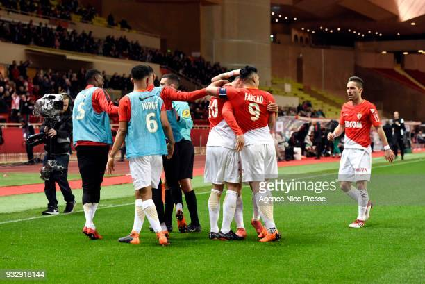 Stevan Jovetic of Monaco celebrates his goal with teammates during the Ligue 1 match between AS Monaco and Lille OSC at Stade Louis II on March 16...