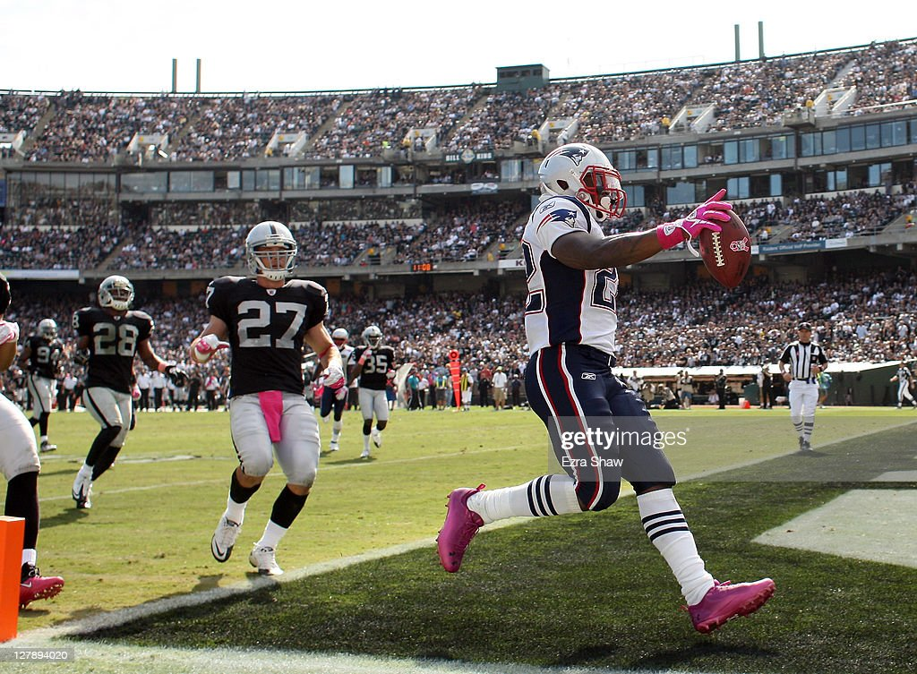 Stevan Ridley #22 of the New England Patriots runs in for a touchdown against the Oakland Raiders at O.co Coliseum on October 2, 2011 in Oakland, California.