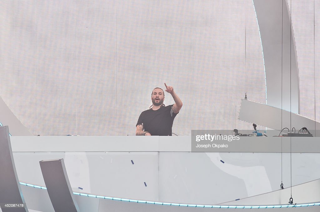 Steve Angello performs on stage during the Electric Daisy Carnival 2014 on July 12, 2014 in Milton Keynes, England.