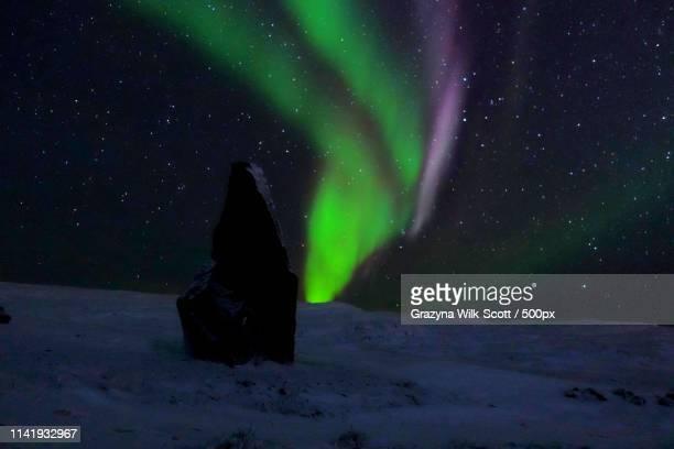steve atmospheric phenomenon - baffin island stock pictures, royalty-free photos & images