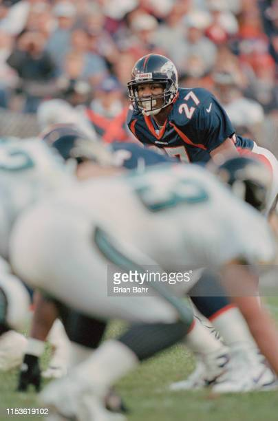 Steve Atwater Defensive End for the Denver Broncos keeps his eyes on the Jaguars offensive line during the American Football Conference West game...