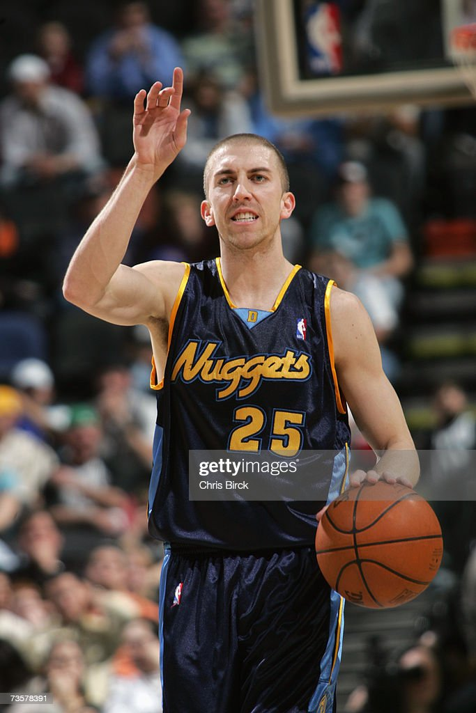 Steve Blake #25 of the Denver Nuggets signals a play during the NBA game against the San Antonio Spurs on February 20, 2007 at AT&T Center in San Antonio, Texas. The Spurs won 95-80.