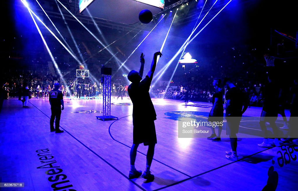 Steve Blake of the Sydney Kings shoots the ball during warm up during the round six NBL match between Melbourne United and the Sydney Kings at Hisense Arena on November 12, 2016 in Melbourne, Australia.