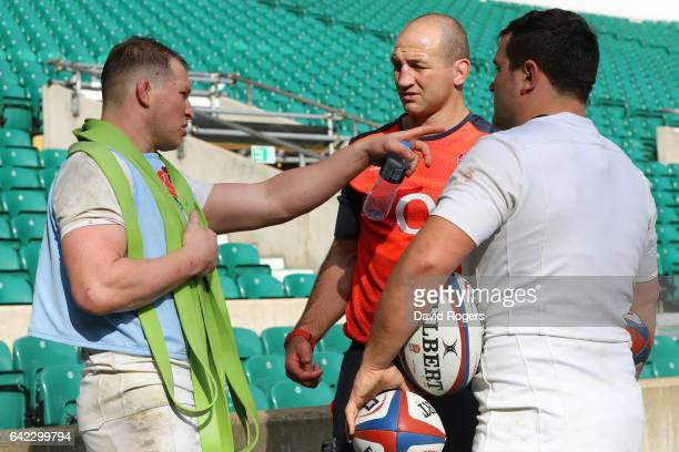 Steve Borthwick England's forwards coach speaks with Dylan Hartley and Jamie George during an England open training session at Twickenham Stadium on...