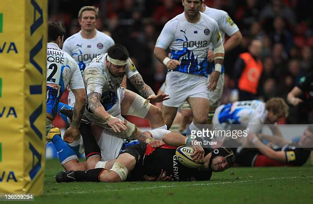 Steve Borthwick of Saracens goes over the line to score a try during the Aviva Premiership match between Saracens and Bath at Vicarage Road on...