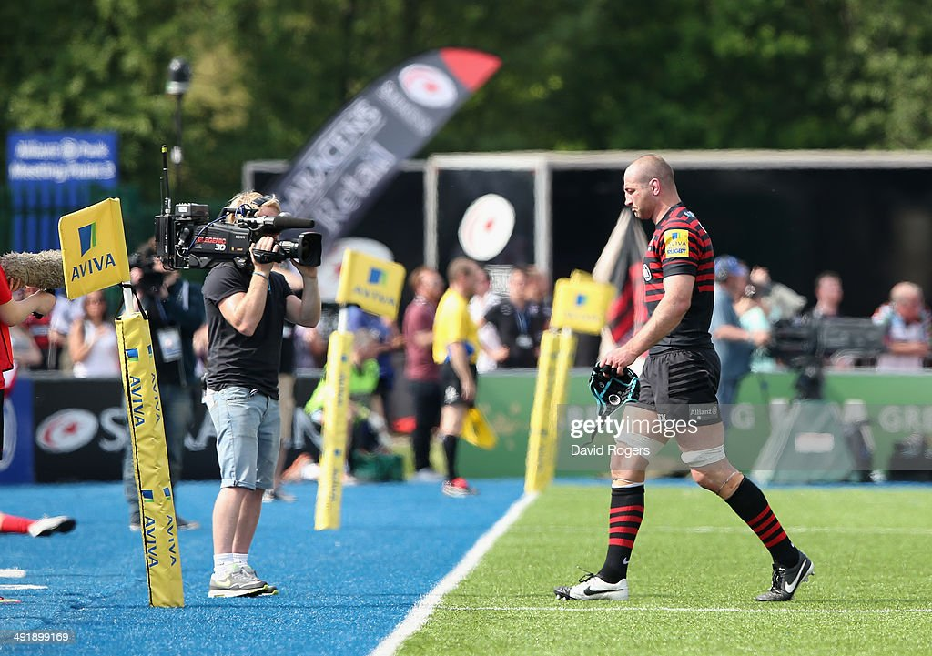 Steve Borthwick, the Saracens captain, walks off the pitch after being replaced in his final home game before retirement during the Aviva Premiership semi final match between Saracens and Harlequins at Allianz Park on May 17, 2014 in Barnet, England.