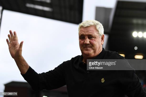 Steve Bruce, Manager of Aston Villa acknowledges the fans prior to the Sky Bet Championship match between Aston Villa and Brentford at Villa Park on...