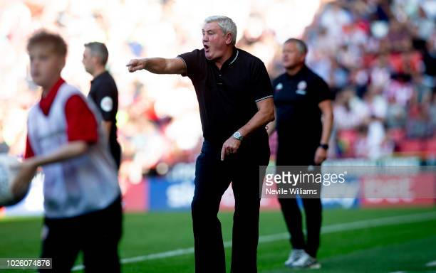 Steve Bruce manager of Aston Villa during the Sky Bet Championship match between Sheffield United and Aston Villa at Bramall Lane on September 01...