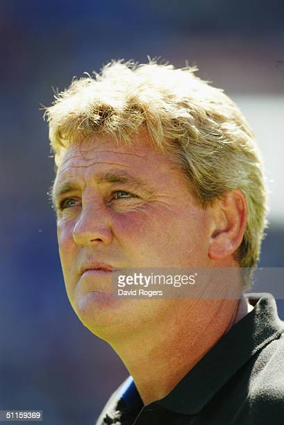 Steve Bruce manager of Birmingham City in action during the preseason friendly match between Birmingham City and Osasuna at St Andrews on August 7...