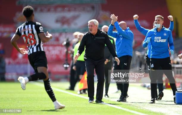 Steve Bruce, Manager of Newcastle United celebrates as Joe Willock of Newcastle United celebrates after scoring their sides first goal during the...
