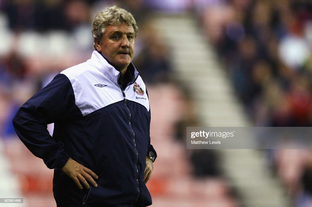 Steve Bruce, manager of Sunderland looks on during the Carling Cup 4th Round match between Sunderland and Aston Villa at the Stadium of Light on October 27, 2009 in Sunderland, England.