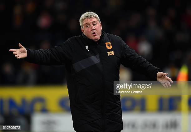 Steve Bruce of Hull City looks on during the Sky Bet Championship match between Hull City and Brighton and Hove Albion at KC Stadium on February 16...