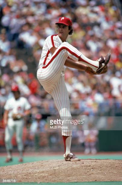 Steve Carlton of the Philadelphia Phillies pitches during a game at Veterans Stadium circa 1972-1986 in Philadelphia, Pennsylvania.