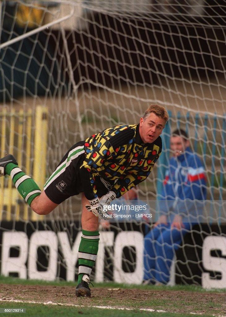 Soccer - Endsleigh League Division Three - Rochdale v Plymouth Argyle : News Photo