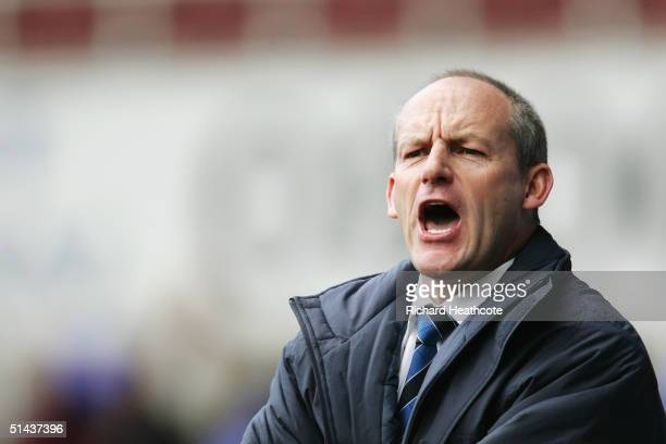 Steve Coppell manager of Reading shouts instructions during the CocaCola Championship match between Reading and Burnley at Madejski Stadium on...