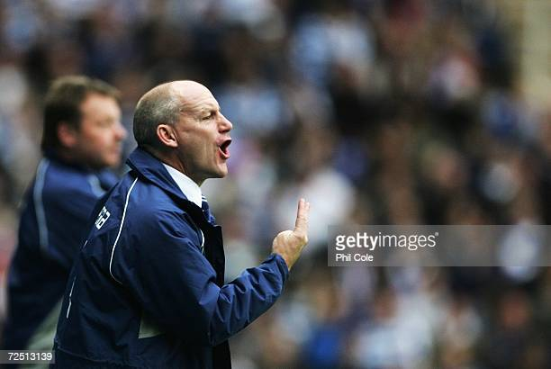 Steve Coppell the Reading manager shouts instructions from the touchline during the Barclays Premiership match between Reading and Tottenham Hotspur...