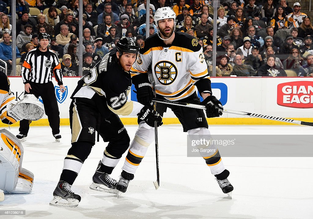 Steve Downie #23 of the Pittsburgh Penguins battles for position against Zdeno Chara #33 of the Boston Bruins at Consol Energy Center on January 07, 2015 in Pittsburgh, Pennsylvania.