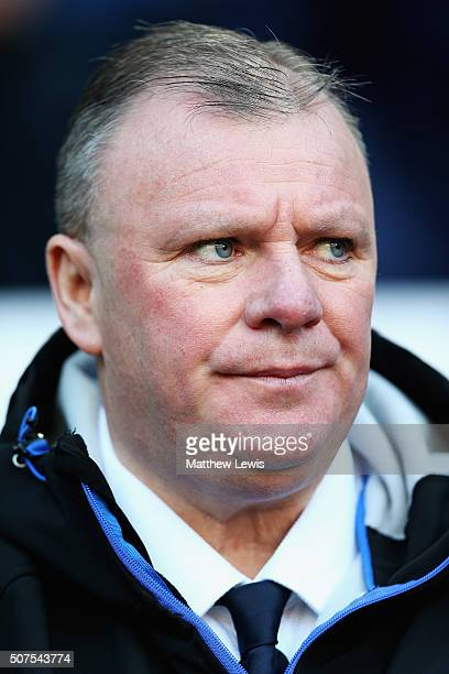 Steve Evans manager of Leeds United looks on during The Emirates FA Cup Fourth Round match between Bolton Wanderers and Leeds United at Macron...