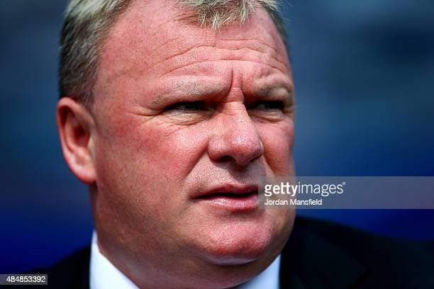 Steve Evans manager of Rotherham United looks on prior to the Sky Bet Championship match between Queens Park Rangers and Rotherham United at Loftus...
