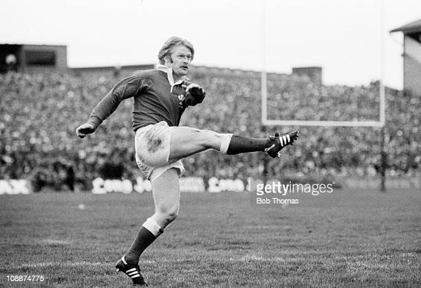 Steve Fenwick in action for Wales against Scotland at Murrayfield in Edinburgh 7th February 1981 Scotland won 156