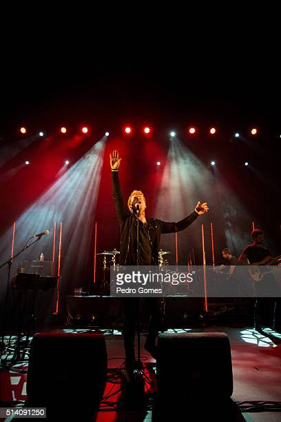 Steve Garrigan of Kodaline performing on February 25, 2016 in Lisbon, Portugal.
