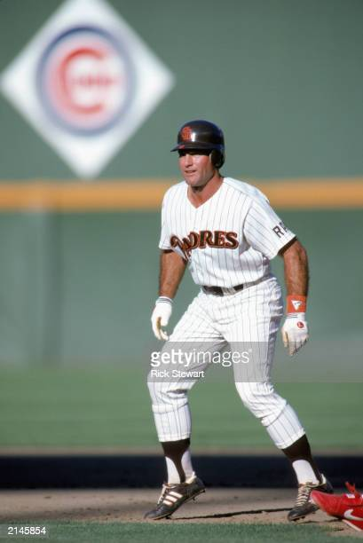 Steve Garvey of the San Diego Padres leads off base during the 1986 season