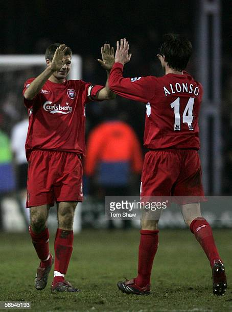 Steve Gerrard and Xabi Alonso of Liverpool celebrate during the FA Cup 3rd Round match between Luton Town and Liverpool at Kenilworth Road on January...