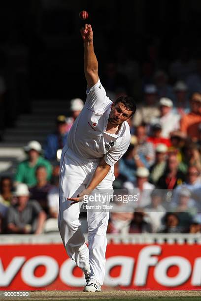 Steve Harmison of England bowls during day three of the npower 5th Ashes Test Match between England and Australia at The Brit Oval on August 22 2009...