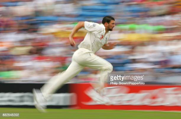 Steve Harmison of England runs in to bowl during the 3rd Test match between England and Pakistan at Headingley Leeds 5th August 2006 England won the...