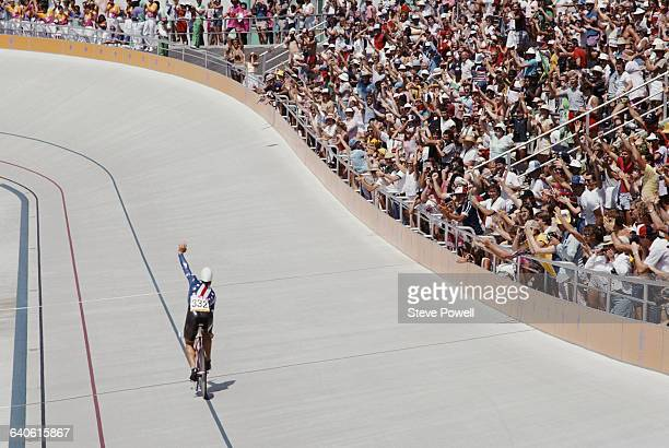 Steve Hegg of the United States celebrates winning the Men's 4000 metre individual pursuit on 1 August 1984 during the XXIII Olympic Summer Games at...